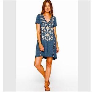 Johnny Was Embroidered Tunic Dress Size Small Blue